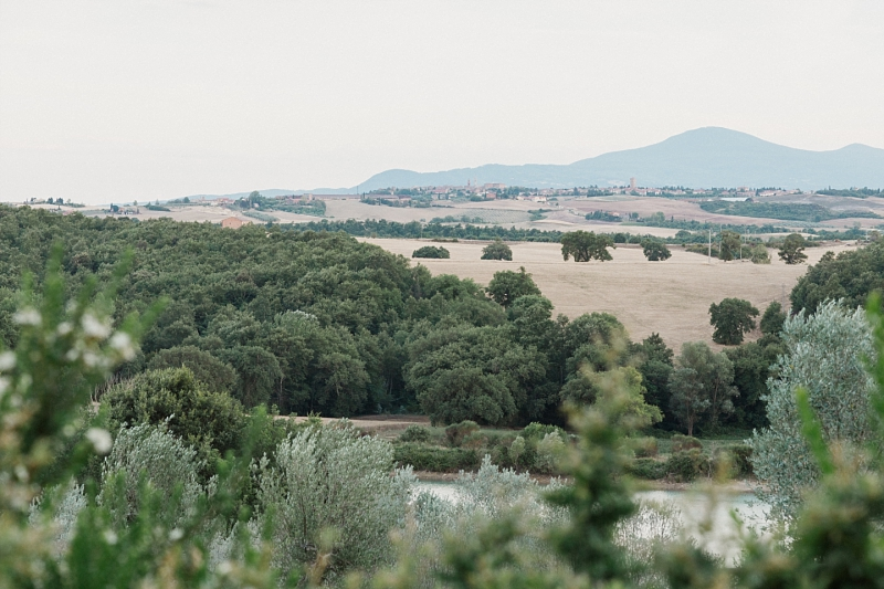 wedding in val d'orcia landscape